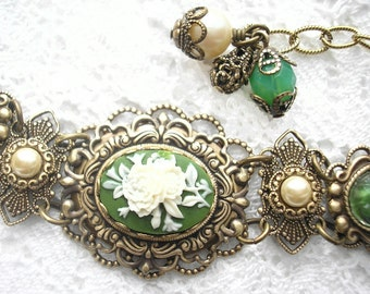 Victorian Style Green and Ivory Floral Cameo Bracelet