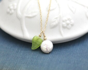 Coin Pearl Necklace / Vintage Green Leaf Necklace / 14K Gold Fill Chain / Nature Jewelry / Wife Gift