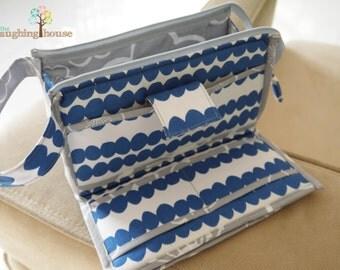 PREMIUM Organizer Clutch Wristlet (Pebbles in Cornflower Blue)