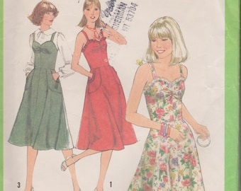 Vintage Sundress Jumper Sweetheart Neckline Sewing Pattern Uncut Size 11JP Bust 34