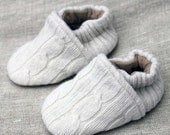 Ivory Cable Knit Wool Baby Slippers fits 0-6 months old made from recycled materials