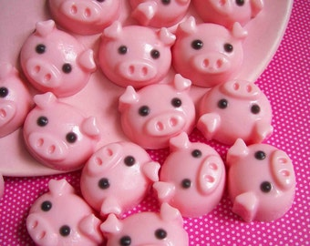 Pig Soap Strawberry Set - Animal Soap, Mini Pig Soap, Farm Soap, Strawberry Soap, Soap Favors, Kids Soap, Mini Soaps, Children Gift, Barn