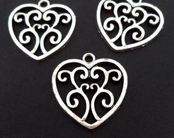 10pcs Antique Silver heart ornate charms CH512S