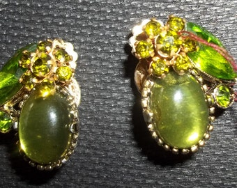 Adorable Green Vintage Rhinestone Earrings - Fit for a FASHIONISTA