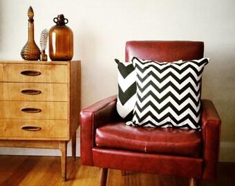 Black and White Chevron Zig Zag Geometric Cushion Cover