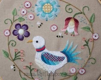 Crewel Folk Art Bird Embroidery Pattern
