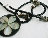 Women's Necklace Beaded with Flower Pendant Black