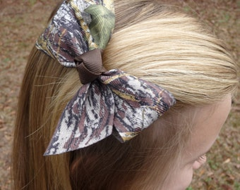 Simple Mossy Oak Camo Bow