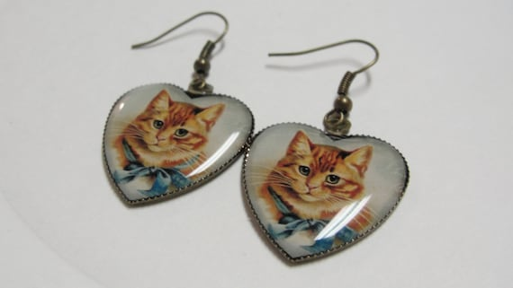 Yellow Cat in Heart Pierced Dangle earrings