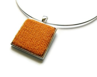 Knit Jewelry: Square Pendant in Orange Peel Wool - Neck Wire Choker