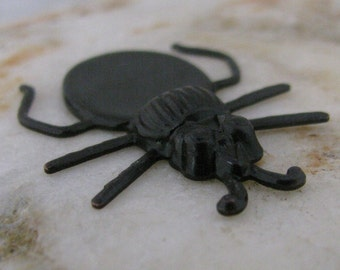 Beetle with Gluing Pad for Stone Findings Bronze 814 - 6 pieces