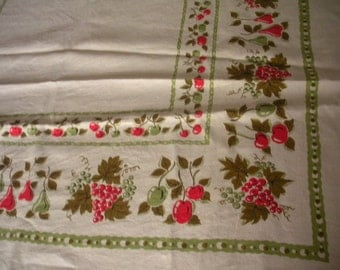 Large Vintage Red and Green Fruit and Vine Linen Table Cloth