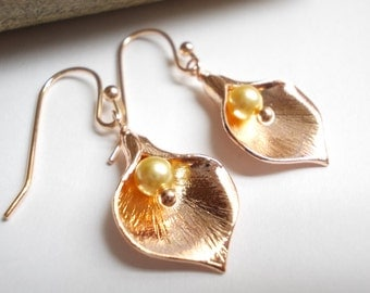 Calla lily earrings rose gold flowers pearl small dangle drop earrings women girl bridesmaids gift pink plated floral wedding party bridal