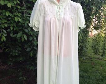 Vintage 1960s Era Green Size 36 All Nylon Sheer Short Sleeve Housecoat/Duster
