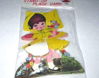 Set of 2 Vintage Party Favor or Favour Stand Up Place Cards Little Girl in Yellow Flowers Honeycomb Made in Japan