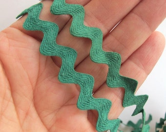 Ric Rac 5 yards all COTTON RIC RAC Kelly green. 1/4 inch to 1/2 inch wide. 33-825-f