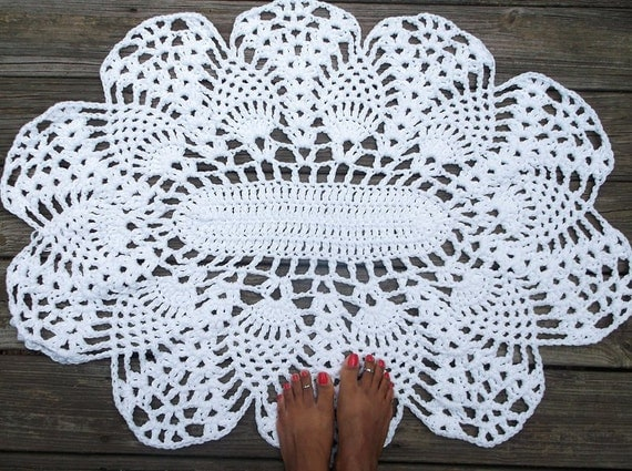 Oval Pineapple Pattern Shape Rug in White Cotton Crochet 28 x 36