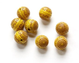 Vintage Yellow and Brown Etched Mosaic Acrylic Beads 12mm bds014A