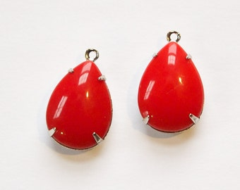 Vintage Opaque Red Glass Teardrop Stones 1 Loop Silver Plated Setting 18x13mm par006Z