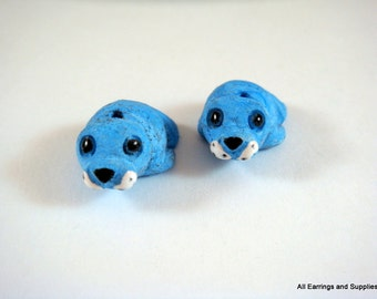 SALE - 2 Blue Seal Beads Animal Bead Ceramic Hand Painted Glazed Walrus 21x17mm - 2 pc - 5944-AG