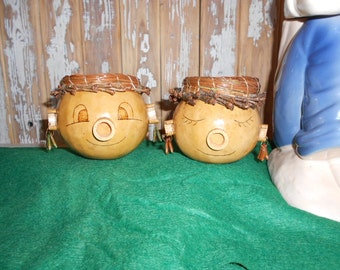 Two heads are better than one GOURD Girls Pine needle weaving