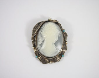 Plastic Cameo Pendant Brooch 70s Vintage Jewelry