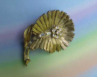 Vintage 60s Flower Pin Textured Goldtone & Rhinestones