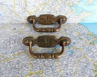 SALE! 2 mod vintage brass metal pull handles w/ center design
