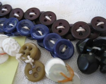 Lot Sets of Small VINTAGE Blue & Brown Plastic Craft Sewing BUTTONS  R2