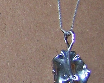 Sterling STINGRAY Pendant with Chain - Beach, Ocean, Marinelife, Fish