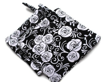 Handmade Quilted  Pot Holders set of 2 Roses Black White