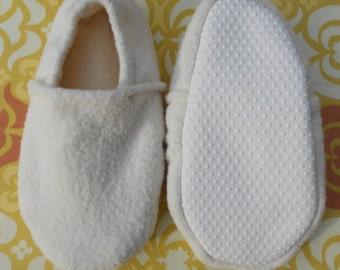 Custom Organic Cotton Sherpa Slippers with Grip Tight Soles for Adults