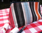 Boxy pouch in striped cotton