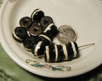 Batik Beads - Black and White Bone Mala - 10 pcs. - BTK203