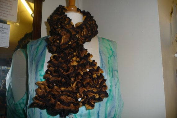 Handknitted Ruffles Scarf in Brown and Bronze