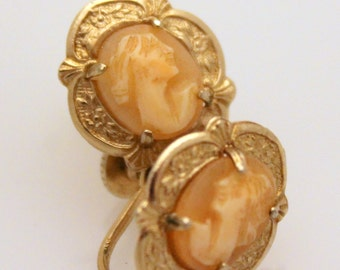 Unsigned Goldtone Cameo Screwback Earrings