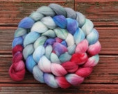 arms aloft. hand dyed new zealand merino. 4.3oz./121g
