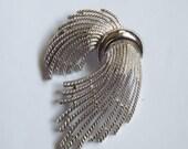 Vintage Crown Trifari brooch pin modernist silver tone metal gathered strands bundle