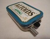 Portable Mint Tin Guitar Amp, Headphone Amp, MP3 Amp w/ Speaker, Volume Control, & 10X Gain (Wintergreen Altoids) - hesslerk