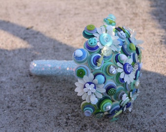 Down by the Sea Button and Daisy Bouquet