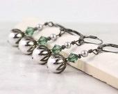 Green Crystal Earrings White Pearl Earrings Bridesmaid Gift Light Green Earrings Wedding Earrings Gray Wedding Jewelry Gray Pearl Earrings