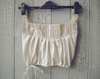 PIXIE Top in White Cream and Tea Stained