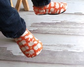 Reversible Baby Shoes, Hippo Love - weepereas
