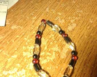 Glass and magnet bead bracelet