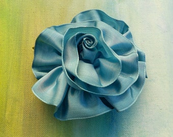 SUMMER FLOWER POWER Blue Pearl Ribbon Rosette Pin....