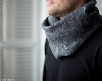 Gray Scarf, Felted Unisex Infinity Scarf, Minimalist Loop Circle Shawl, Wool Felt Cowl, Perfect Gift for Her or for Him, Neck Warmer
