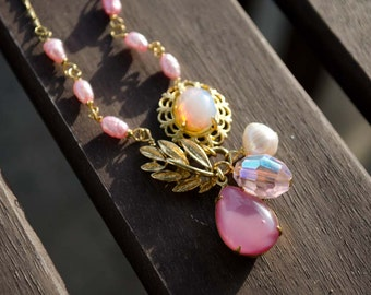 Statement Necklace - Pink Pearl and Gold Vintage Jewelry - Bridal Eclectic Vintage - One of a kind - OOAK - Magpie Jewelry - Handmade