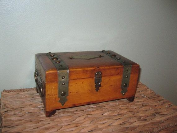 1940s Antique Mens Jewelry Box Treasure Chest Pilliod Ohio