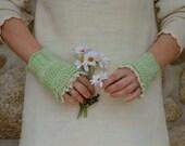 Fingerless lace gloves mint green.