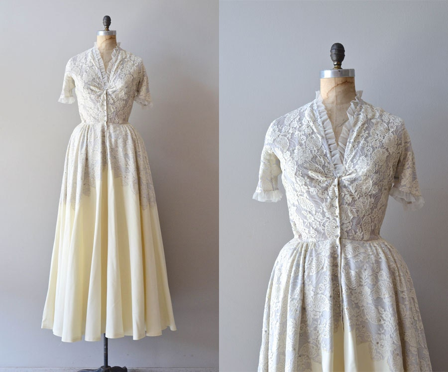 Vintage 1940s Wedding Dress / Lace 40s Wedding Gown / Prima La